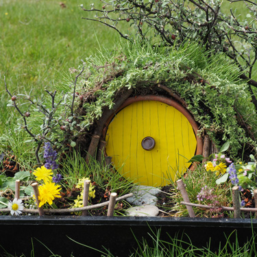 Kids Go Gardening - make a mini Hobbit hole